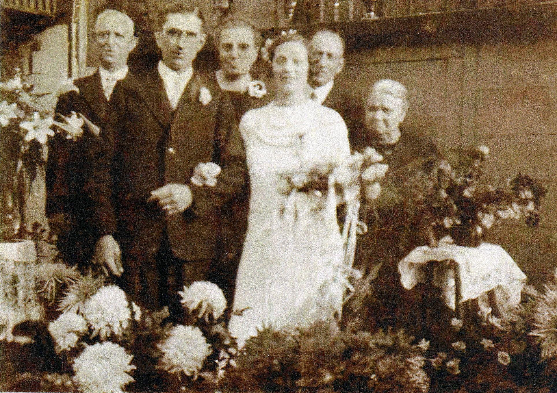 Andreas Johannes Agterberg (1877-1946), Pieter Maria Brouwer (1912-2005), Maria Johanna Elsendoorn (1878-), Maria Johanna Agterberg (1912-1990), JA Brouwer (1873-1954), GE van Vessem (1875-1939)