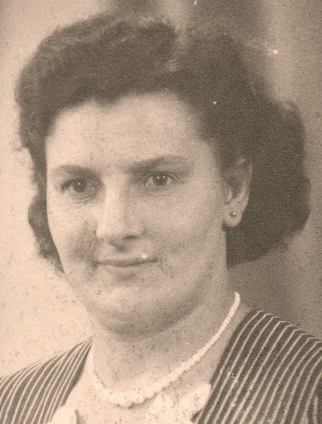 Alida Lagas (1915-)