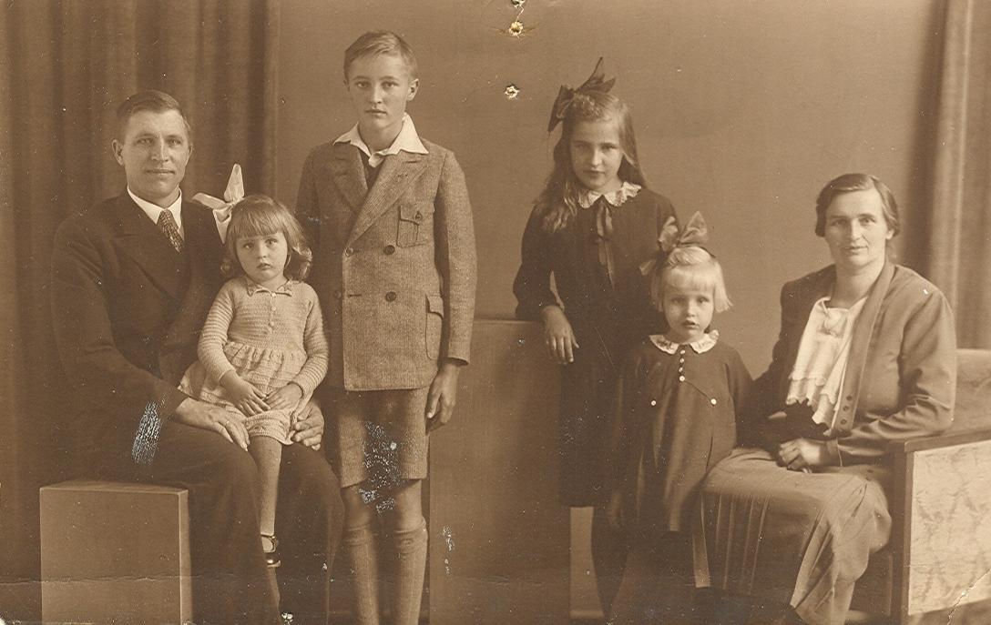 Gezin Bernardus Gaasbeek x Wilhelmina Kuus 1932
