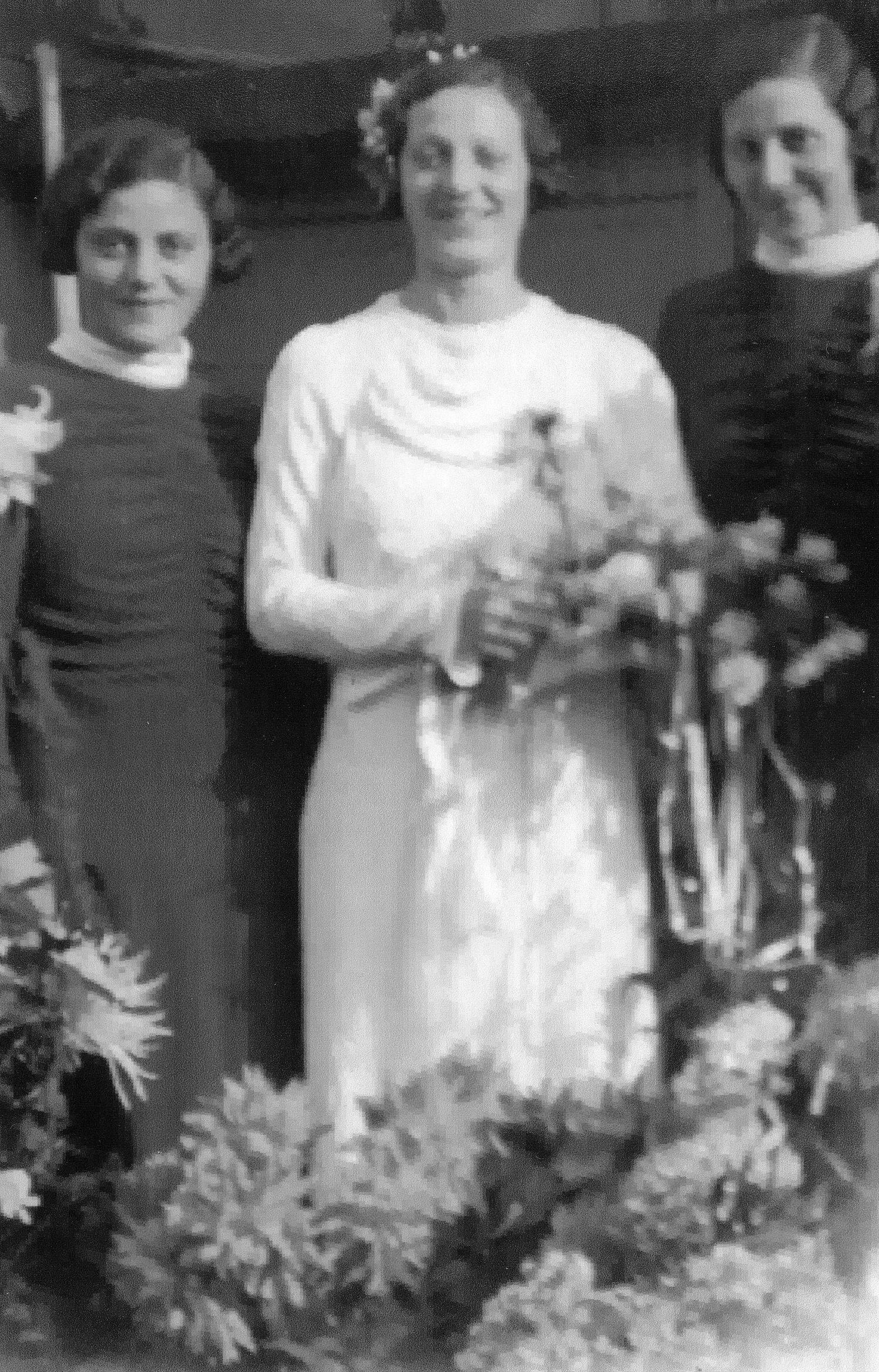 Christina Maria Agterberg (1913-1956), Maria Johanna Agterberg (1912-1990), Helena Agterberg (1910-)