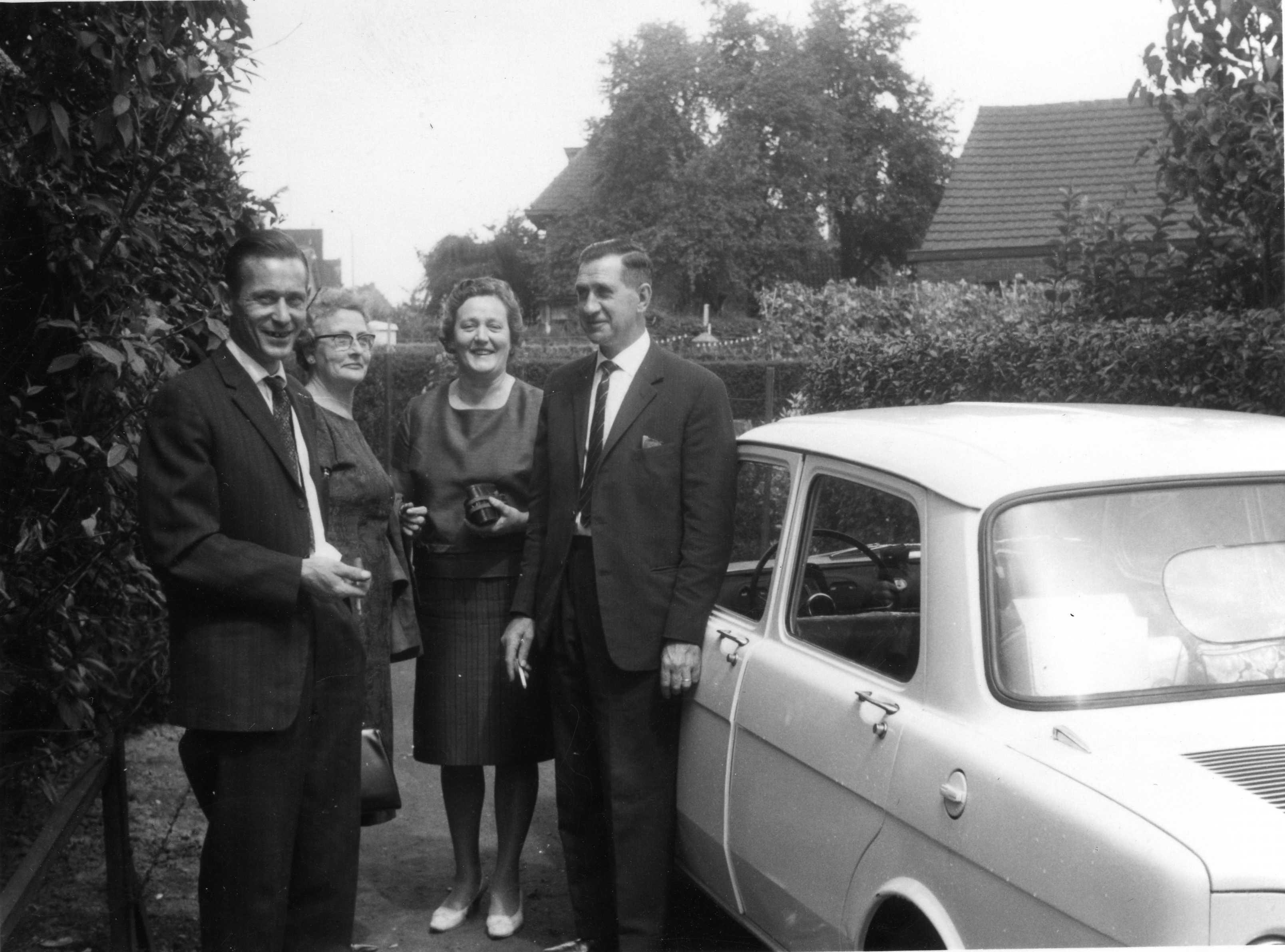 Marinus Gerardus van Walstijn (1911-1978), Johanna Maria Brouwer (1906-1992), Maria Johanna Agterberg (1912-1990), Pieter Brouwer (1912-2005)