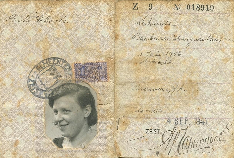 Persoonsbewijs Barbara Margaretha Brouwer (1906-1991)