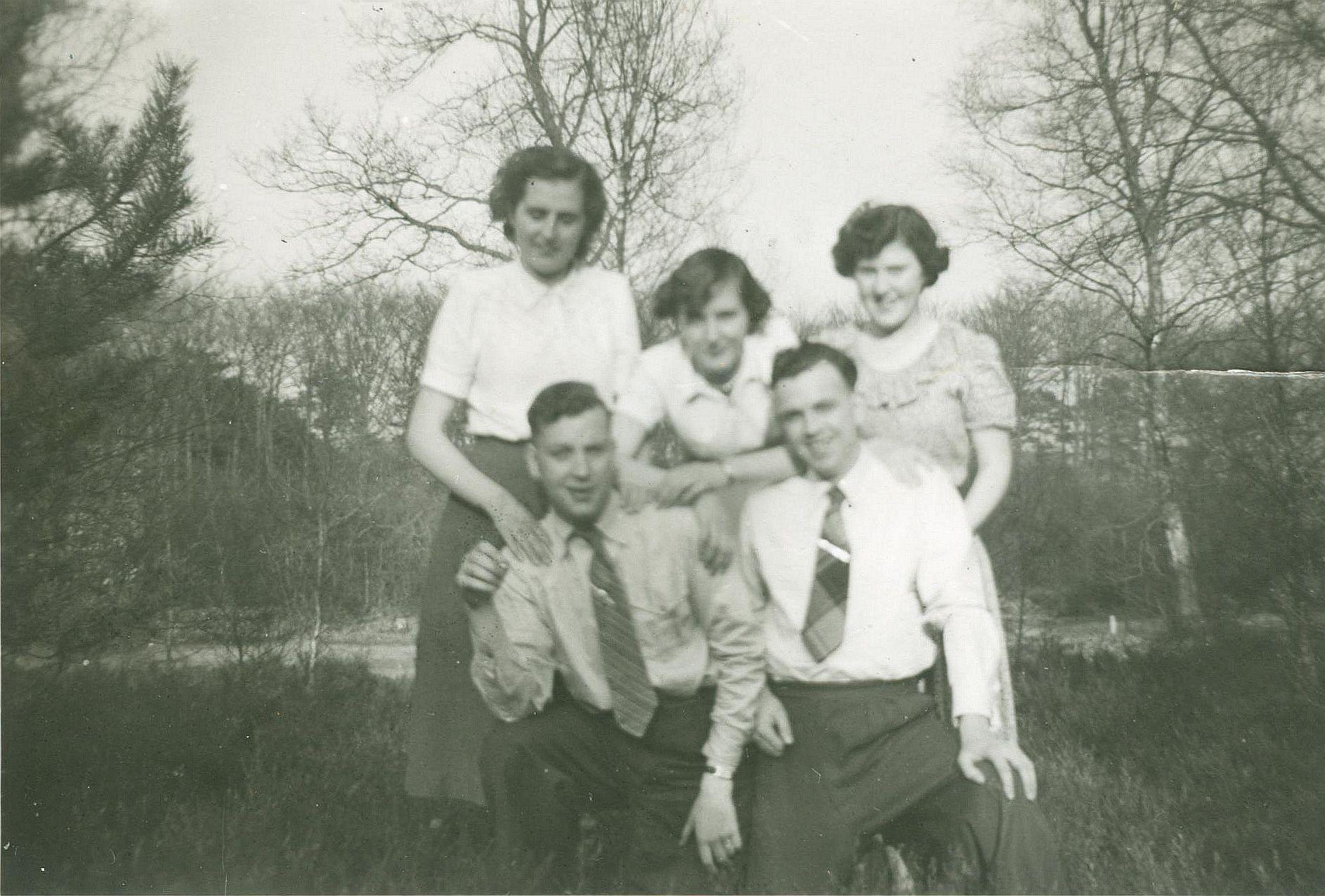 Wilhelmina Gijsberta Gaasbeek (1929-2015), Gijsberta Bernardina Gaasbeek, Geertruida Elisabeth Brouwer, Johannes Pieter Brouwer (1929-2012), Nicolaas van Munster (1922-2006)